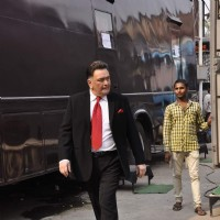 Rishi Kapoor on Set of Chalk N Duster
