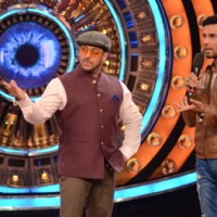 Randeep Hooda Promotes Main Aur Charles on Bigg Boss Nau with Host Salman Khan