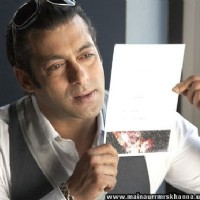 Salman Khan constantly looking to a photo