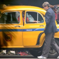 Big B Shoots for Sujoy Ghosh's Te3n in Kolata