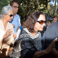 Waheeda Rehman and Asha Parekh snapped at Sadhana Shivdasani's residence