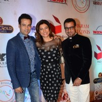 Ronit Roy, Sushmita Sen and Rohit Roy at Vikram Phadnis' 25th Anniversary Celebration