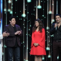 Akshay Kumar  and Nimrat Kaur for Promotions of Airlift on India's Best Dramebaaz 2