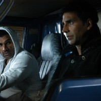 Akshay and Sunil in De Dana Dan movie