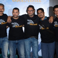 Atul Kulkarni, Aamir, Rakeysh Mehra, Siddharth and Sharman a 10years Celebrations of RDB | Rang De Basanti Event Photo Gallery