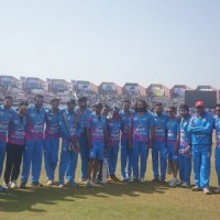 Mumbai Heroes Team Snapped at CCL Match Between Mumbai Heroes and Bengal Tigers