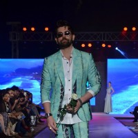 Neil Nitin Mukesh walks the ramp at HTC Fashion Show 2016