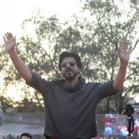 Shah Rukh Khan at Launch of 'FAN' Anthem at Hansraj College