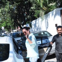 Sonakshi Sinha Snapped in Bandra post her Lunch