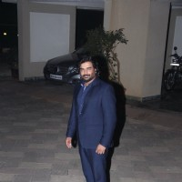 R. Madhavan Meets Sanjay Dutt at his Residence!