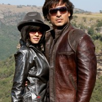 Still image of Vivek Oberoi and Nandana Sen