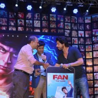 Shah Rukh Khan releases 'Fan The Game' at Trailer Launch of 'FAN'