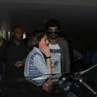 Airport Spotting: Handsome Arjun Kapoor and Pretty Kareena Kapoor