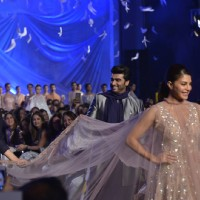 Jacqueline Fernandes, Arjun Kapoor and Manish Malhotra at Lakme Fashion Show 2016