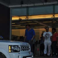 Sohail Khan Visits Arpita Khan at Hinduja Hospital