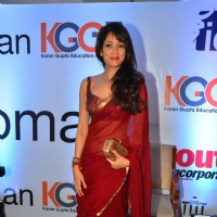 Vidya Malvade at 'I am Woman' Award Ceremony