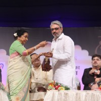 Asha Bhosle and Sanjay Leela Bhansali at Dinanath Mangeshkar Award
