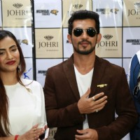 Arjun Bijlani and Tia Bajpai at the The Launch Soiree of Johri by Amaze Jewels