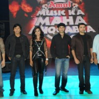 6 captains on the stage of Music Ka Maha Muqqabla