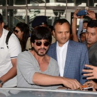 Shah Rukh Khan cheers for Kolkata Night Riders in Kolkata