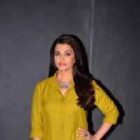Aishwarya Rai Bachchan at Press Meet of Sarabjit