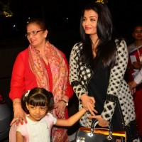 Aishwarya Rai Bachchan and Aaradhya Bachchan at Snapped at Airport