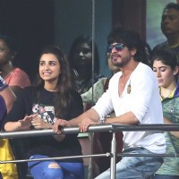 Shah Rukh Khan and Parineeti Chopra Snapped at Eden Gardens