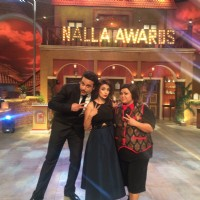 Monali Thakur has a Blast on the sets of 'Comedy Nights Live'