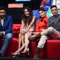 'Housefull 3' Cast Promote 'Housefull 3' on the sets of 'Sa Re Ga Ma Pa 2016'