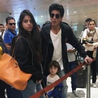 Shah Rukh Khan with Suhana Khan & AbRam Khan at Airport