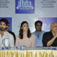 Shahid Kapoor, Alia & Mahesh Bhatt & Vikas Bahl at Press Meet of IFTDA for Udta Punjab Controversy!