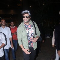 Manish Paul poses on airport