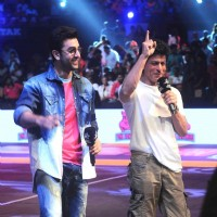 Ranbir Kapoor & Shah Rukh Khan at Launch of Pro Kabaddi League-Season 4