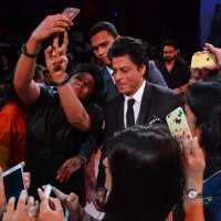Shah Rukh Khan at D'Decor Event