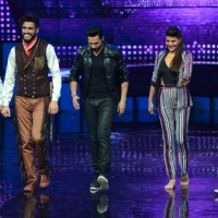 Varun Dhawan and Jacqueline Fernandez with Raghav on Dance Plus for Dishoom!