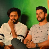 Riteish  and Aftab at Press meet of 'Grand Masti' on Piracy Issue