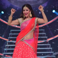 Madhuri Dixit Nene performing at The grand finale of 'So You Think You Can Dance'