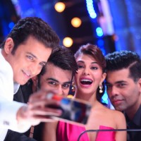 Celebs clicking selfie on the sets of 'Jhalak Dikhlaa Jaa'