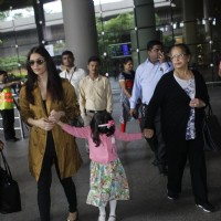Aishwarya Rai Bachchan with daughter snapped at airport
