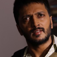 Ritesh Deshmukh looking shocked