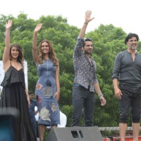 Cast Promoes 'Rustom' at Hansraj college in New Delhi