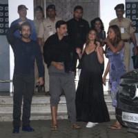 Akshay Kumar, Ileana D'Cruz and Esha Gupta Snapped at Airport
