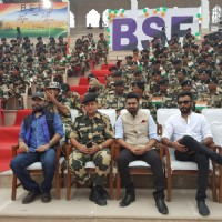 Sukhwinder Singh, Mohit Chauhan and Mithoon visited Attari border before Independence Day!