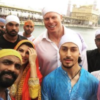 A Flying Jatt team at Golden Temple to seek Slessings