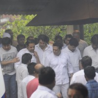 Govinda at Funeral of Krushna Abhishek's Father!