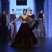 The irresistible beauty Ileana D'Cruz Sizzles at Lakme Fashion Show Day 5