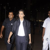 Airport Stories: Sonam Kapoor!