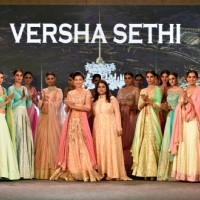 Gauahar Khan sizzles the ramp for Versha Sethi