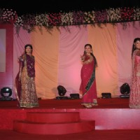 Behenein performing on the stage for Purva''s sangeet