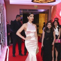 Sonam Kapoor sizzles at Masala! Awards 2016